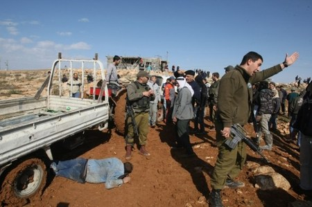 army-terror-jan25-2012-hebron-3.jpg