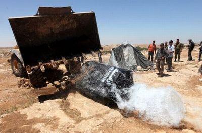 israelis-destroy-palestinian-water-supply.jpg
